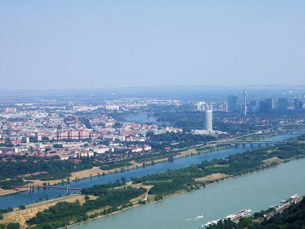 אי דנובה (Donauinsel)