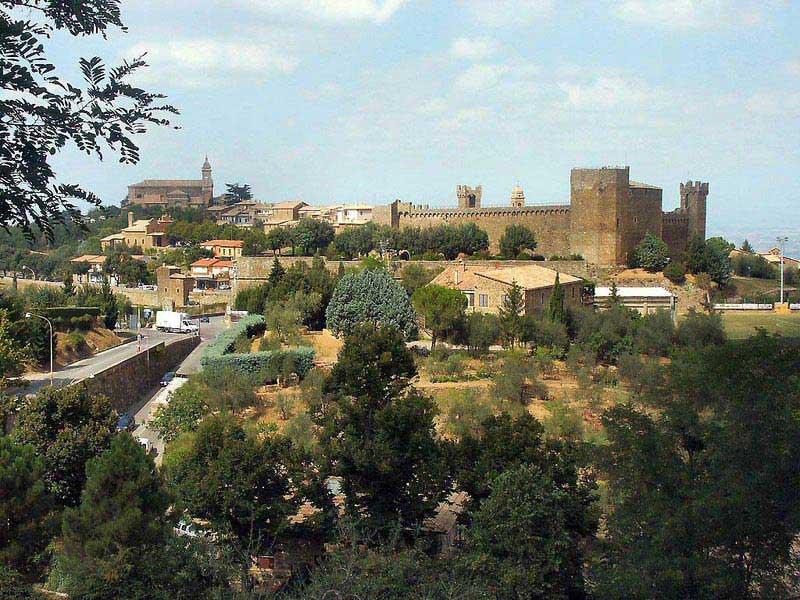 העיירה מוֹנטאלצ