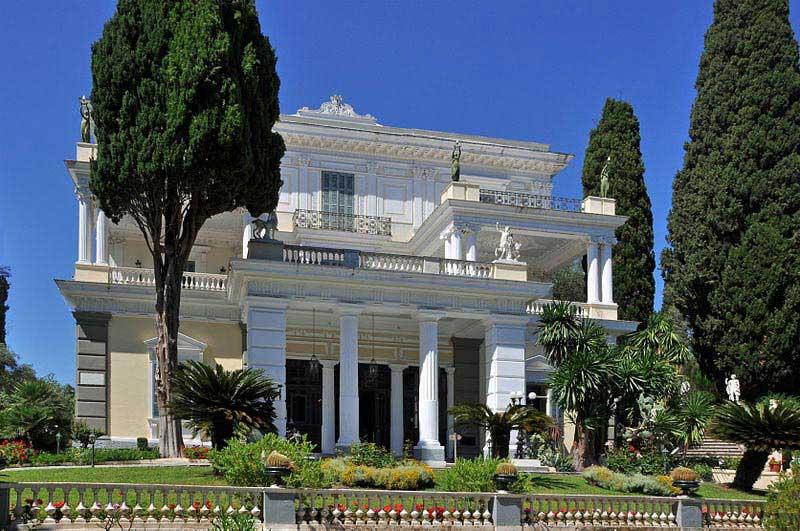 ארמון אַכיליוֹן שבקורפו