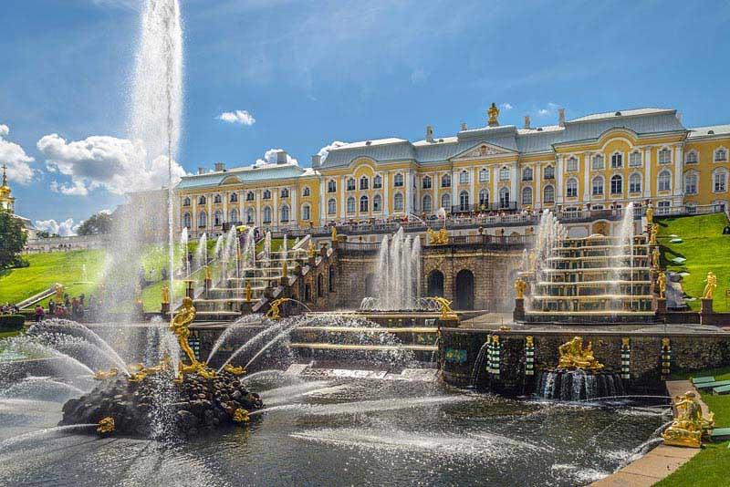 הארמון הגדול והמפל הגדול