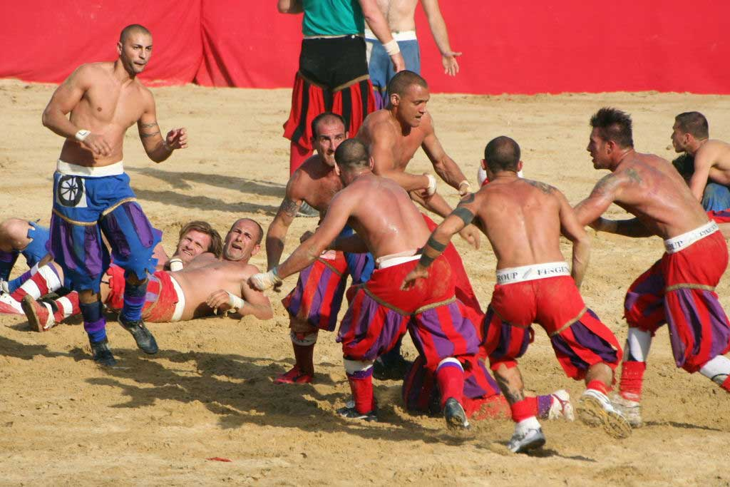 משחק בין הקבוצה האדומה לכחולה ב-2008