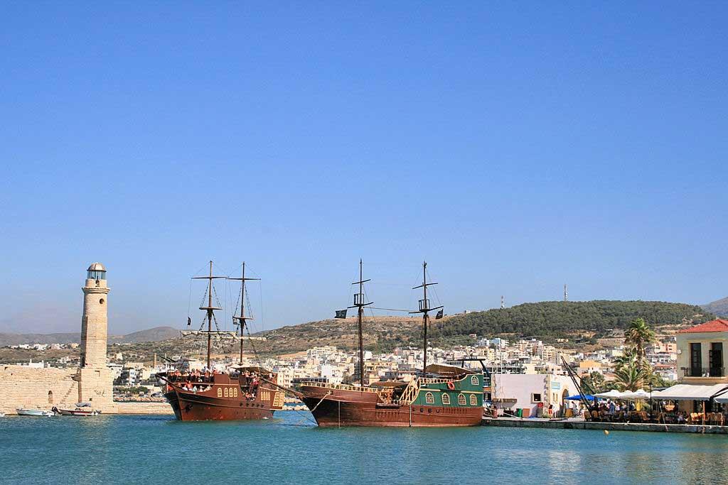 שיט בספינת שודדי-ים ברֶת