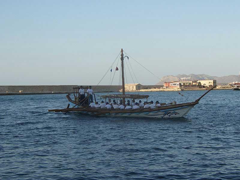ספינה מינואית עתיקה משוחזרת