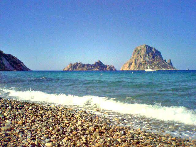 האי הסלעי מול קאלָה ד
