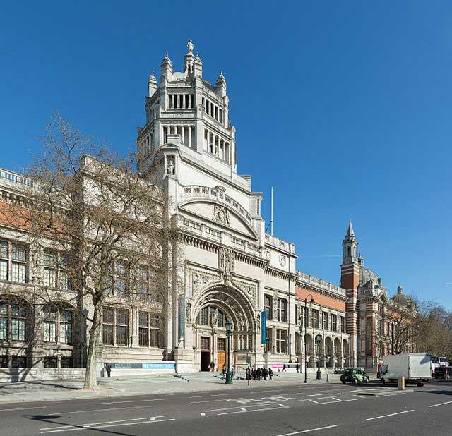 מוזיאון ויקטוריה ואלברט, המוזיאון הגדול בעולם לאומנות דקורטיבית