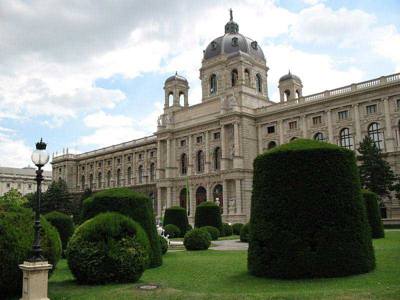 המוזיאון לתולדות האמנות בווינה (Kunsthistorisches), אחד המבנים המרשימים לאורך הרינגשטראסה