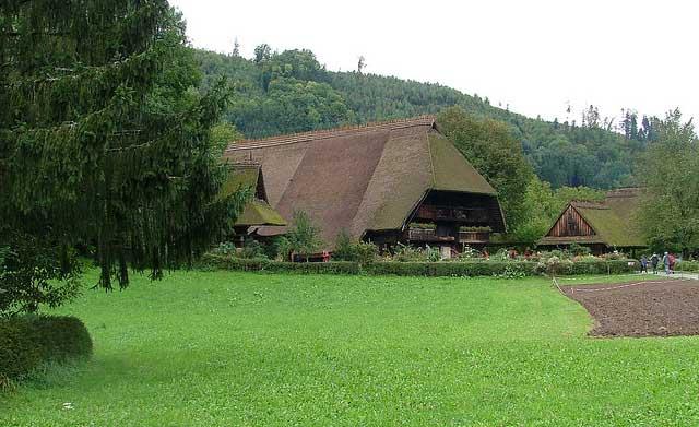 בית כפר במוזיאון הפתוח