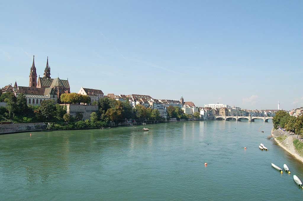 נהר ריין בבאזל שבשווייץ