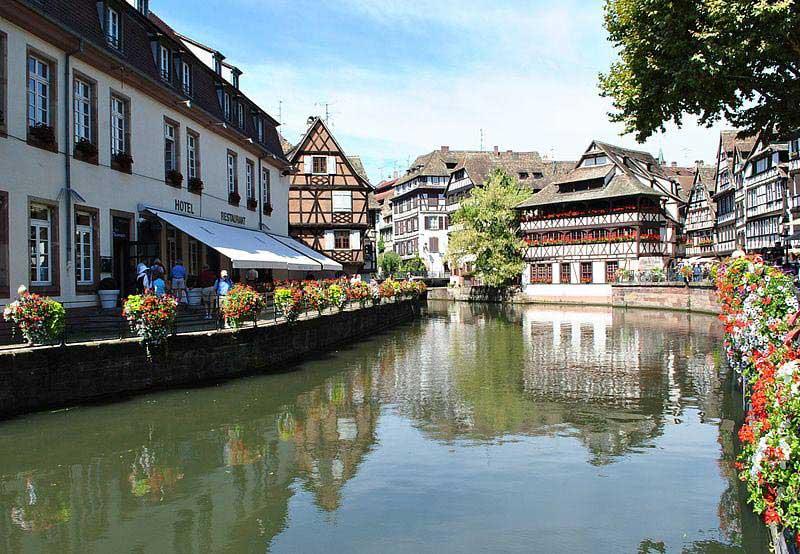 רובע צרפת הקטנה בעיר העתיקה של סטראסבּוּר