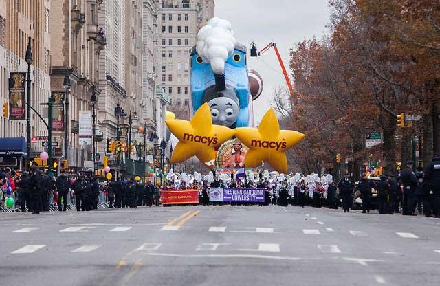 תהלוכת חג ההודיה של מייסיס ברחבי ניו יורק