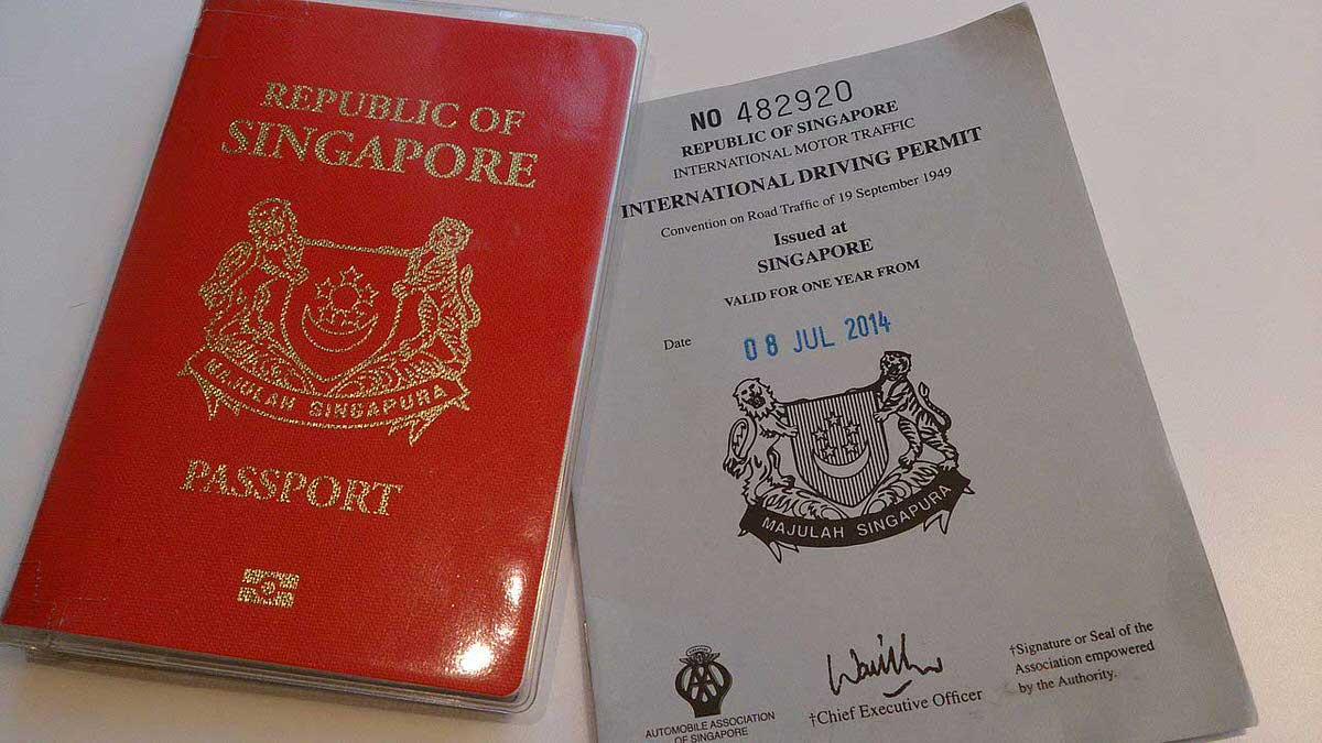 רשיון נהיגה בינלאומי ודרכון: ומה אם השוטר א-דז׳ו-לאי בסינגפור יבקש דווקא את הרשיון האפור?