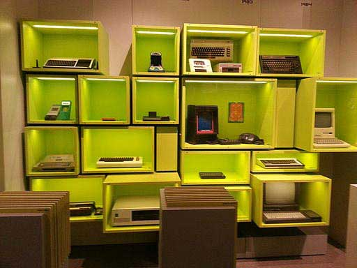 מחשבים מהשנים 1983-1984 במוזיאון למשחקי מחשב