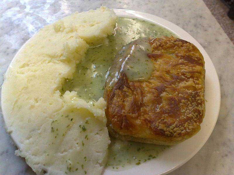 פאי ומֶש - פאי בשר ומחית תפוחי-אדמה