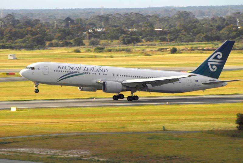 מטוס אייר ניו זילנד ממריא מאוקלנד
